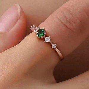 Emerald Green Gemstone Ring size 7
